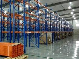 使用仓储重型货架需要留意的地方有哪些?货架厂家告诉你