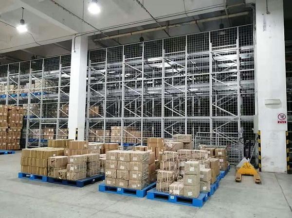 森沃仓储:新华书店集团塑料托盘 (4)