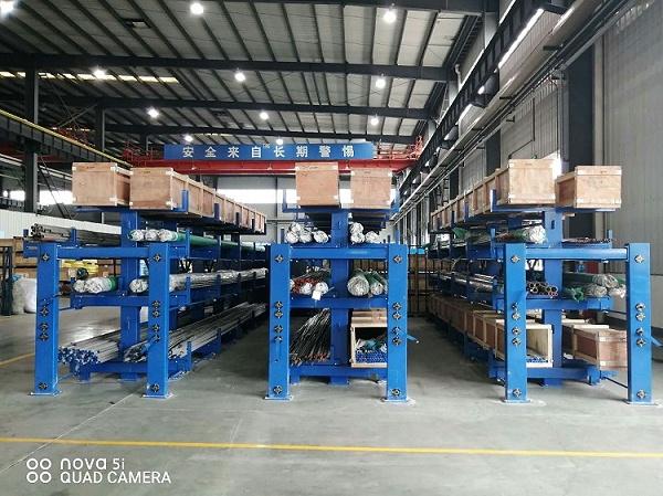 森沃仓储:伸缩式 悬臂货架案例现场 6
