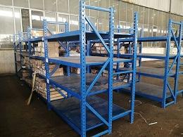 南京仓储货架厂家介绍三立柱货架