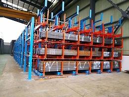悬臂货架厂家概述:伸缩式悬臂货架和普通悬臂货架的差异