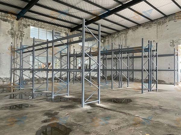森沃仓储:重型货架现场