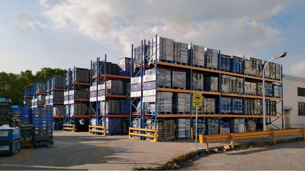室外托盘式货架的回访定制案例-森沃仓储