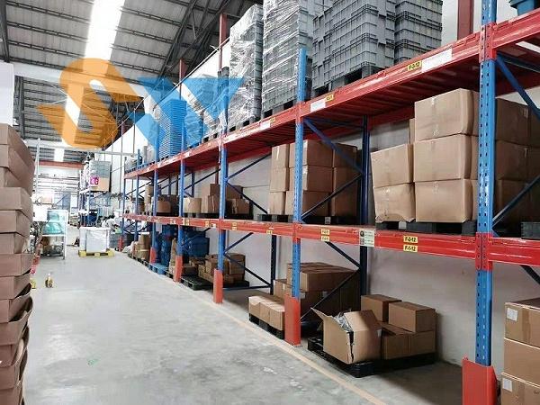 森沃仓储:重型层板货架定制案例现场 (1)