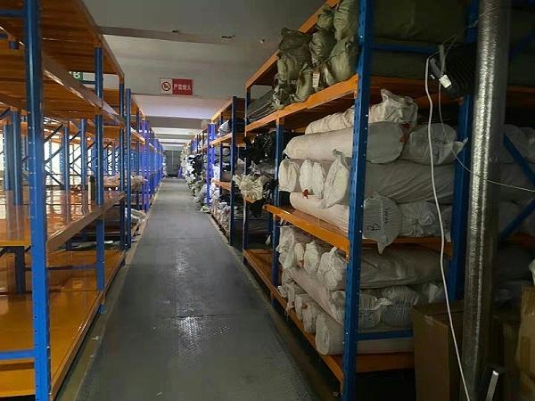 森沃仓储:重型层板货架案例现场1