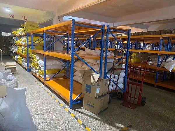森沃仓储:重型层板货架案例现场2