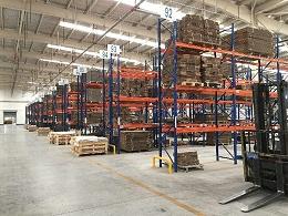 南京货架厂告诉您:重型货架的高度限制
