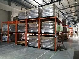 南京堆垛架厂家带您欣赏使用堆垛架后的仓库
